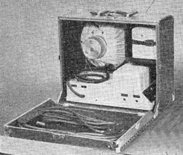 Obr. 10. Zesilovač a reproduktor v kufru