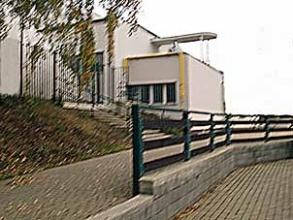 Obr. 11. Balkon s technikou