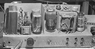 Obr.21.Zesilovač zezadu. Použité elektronky nejrůznějších typů-výprodejní.