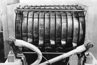 Obr. 1. Magnetizační cívka ze strany přívodů - magnetometr.
