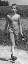 Obr. 3.  Moje první vodní turbína pro malou vodní elektrárnu v roce 1949. Bylo mi 12 a  ½  .