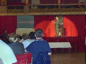 Obr. 9. Přednáška - Detail slepek na pásku, a na tento pásek jsme zaznamenávali naše záznamy - SPŠ elektrotechnická Františka Křižíka v Praze