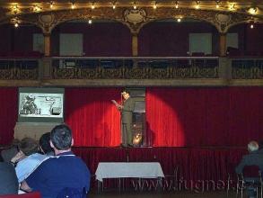 Obr. 13. Přednáška - Magnetofon s vysokofrekvenční předmagnetizací – pohled zespodu - SPŠ elektrotechnická Františka Křižíka v Praze
