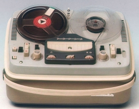 Obr. 2. Magnetofon Tesla Sonet B3 - Píseň práce