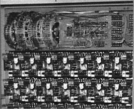 """Obr. 10. \""""Klapatura"""" – část ovládací jednotky polyekranu. Polyekran (polyecran), Laterna Magika, světová výstava  Expo 1958 Brusel."""
