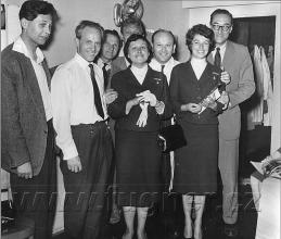 Obr. 17. Návštěva pracovníků Laterny Magiky. Polyekran (polyecran), Laterna Magika, světová výstava  Expo 1958 Brusel.