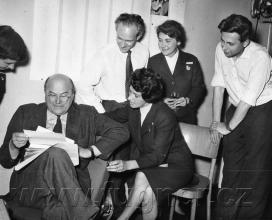 Obr. 18. Návštěva pracovníků Laterny Magiky. Polyekran (polyecran), Laterna Magika, světová výstava  Expo 1958 Brusel.