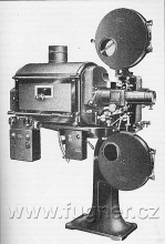 Obr. 15. Kinoprojektor 35mm Ernemann 5 ZeissIkon