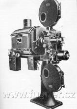 Obr. 16. Kinoprojektor 35mm Ernemann 7B ZeissIkon