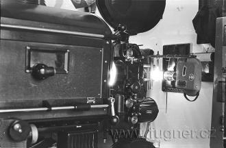 """Obr.8. Projektor Erneman 7b """"upravený"""" na kopírku."""