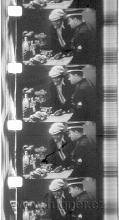 Obr.17. 16mm zvuková kopie s optickým, hustotním zvukem 16obr/sec. Ve zvukové stopě je důkaz, že je to kopie v poměru 3 : 2