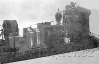 Obr.4. Zdroj 24V = 400V= 800V= - základní vojenská služba v roce 1956.