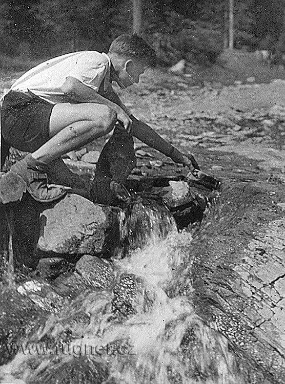 Obr.08. 1952 začátek stavby větší přehrady. To mi bylo 15 a půl.