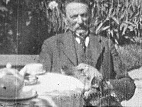 Obr.03. Volyňský dědeček s Dézou.