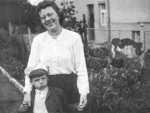 Obr.06. Já ve Volyni s maminkou.